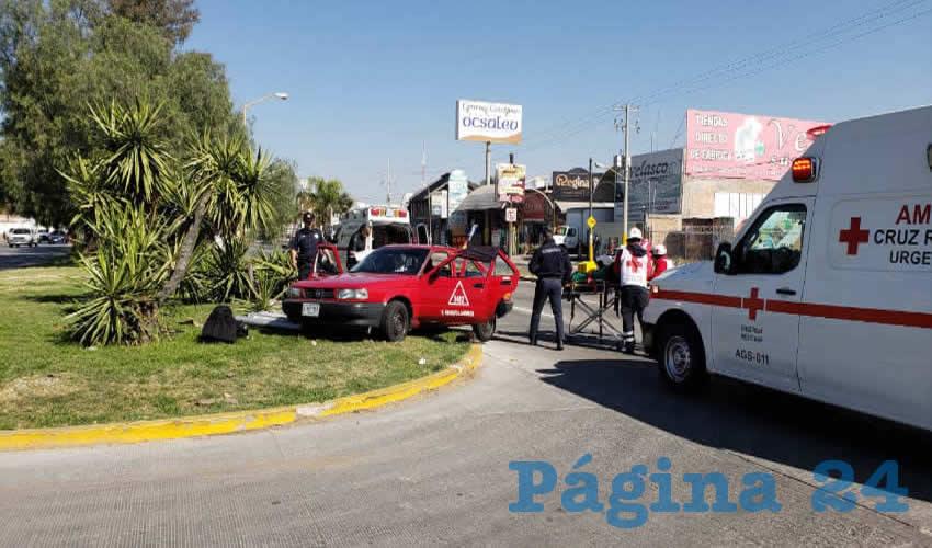 El vehículo de alquiler salió proyectado contra el camellón central