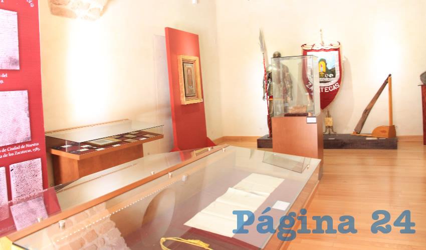 Otros objetos elaborados a base de piedra también pertenecientes a la época prehispánica, son distintas pipas, así como objetos de cerámica para depositar algunos productos (Foto Rocío Castro Alvarado)