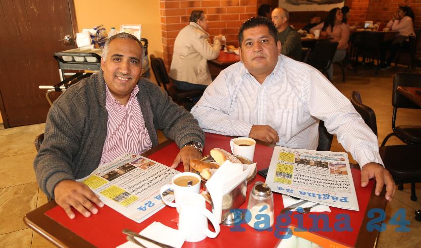 Fernando Díaz de León Nieto y Jorge Hernández Salazar, abogados, desayunaron en Las Antorchas