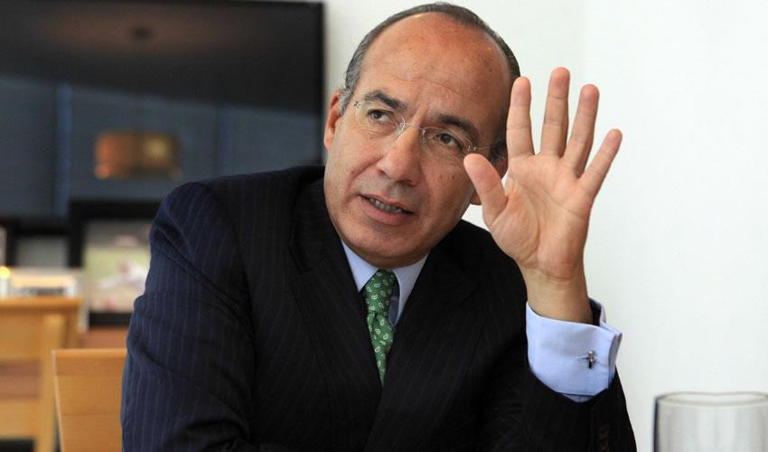 Felipe Calderón Hinojosa ...siguió con el negocio...