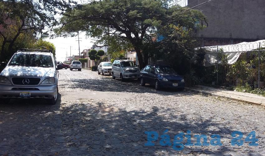 Durante su campaña, Juan Antonio González se comprometió a incrementar el número de patrullas para que los policías recorrieran las calles para resguardar a la ciudadanía; aunque al inicio de su administración entregó patrullas, la gente de Lomas del Camichín considera que no ha sido visible este esfuerzo/Foto: Francisco Tapia