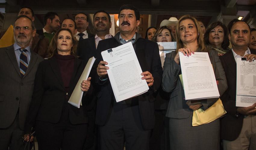 Corral Presenta Controversia Ante la SCJN Contra  el Gobierno Federal por Acaparar el Fondo Minero