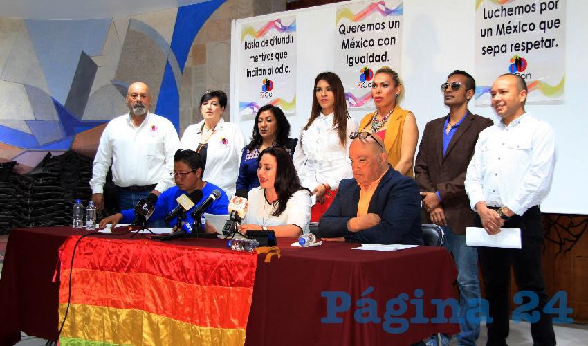 En conferencia de prensa, Mónica Borrego Estrada, diputada local por Movimiento Regeneración Nacional (Morena), declaró que se retomará la iniciativa de ley para lograr la aprobación del matrimonio igualitario en Zacatecas (Foto Rocío Castro)