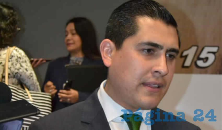 Carlos Aurelio Peña Badillo, director del Instituto Zacatecano de Educación para Adultos (IZEA) (Foto Archivo Página 24)