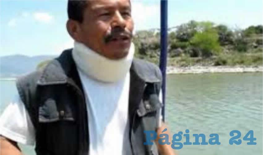 Pese a que hay evidencia científica del problema, Exciquio Cruz lamentó que las autoridades no han evitado que las empresas y los mismos municipios hagan descargas de desechos químicos y aguas residuales al lago