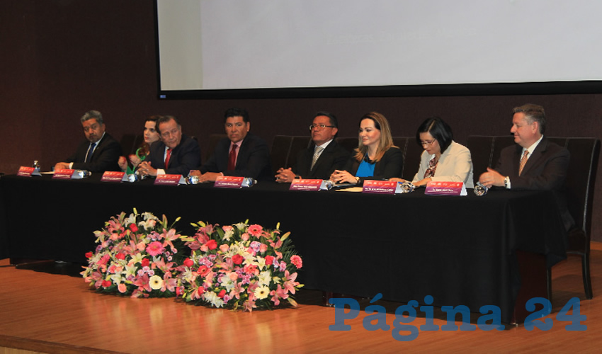 Autoridades en materia electoral y derechos humanos del estado de Zacatecas realizaron el Panel Paridad y Derechos Humanos, con motivo del Día Internacional de la Mujer que se celebra cada 8 de marzo (Foto Rocío Castro Alvarado)