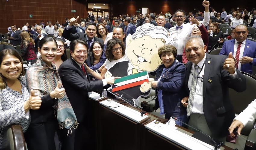 Ciudad de México.- Mario Delgado, coordinador del grupo parlamentario Morena, durante sesión en la cámara de Diputados, luego de aprobarse la reforma en materia de consulta popular y revocación de mandato (Foto: Cuartoscuro)