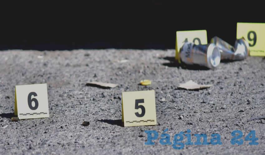 Las autoridades encontraron seis casquillos percutidos, al parecer calibre nueve milímetros