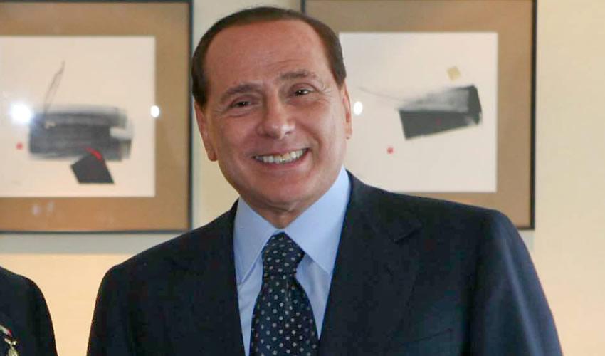 Sospechas en Italia Sobre la Muerte de Testigo Contra ex Primer Ministro