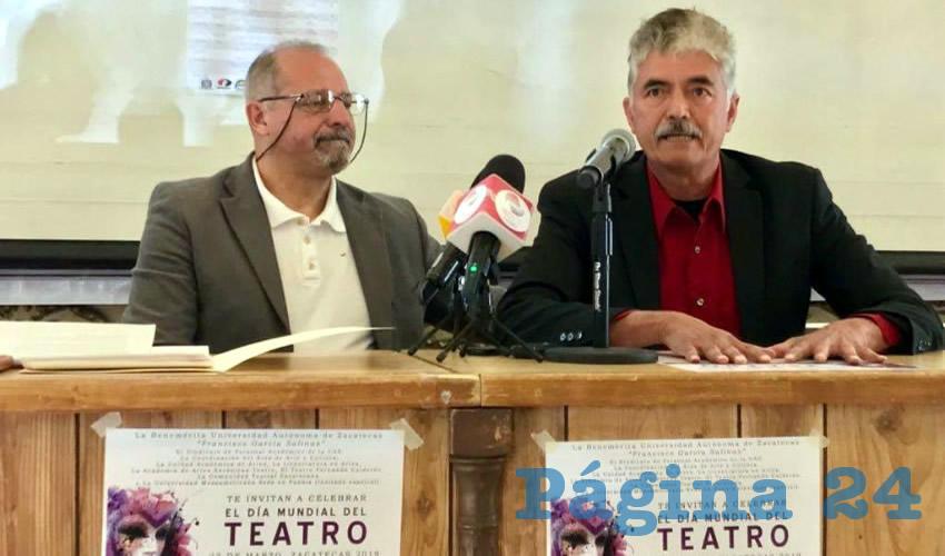 Los encargados de dar a conocer los pormenores fueron José Antonio Rocamontes de la Peña y Efraín Martínez de Luna, quienes son reconocidos en Zacatecas por promover el teatro local (Foto Rocío Castro Alvarado)