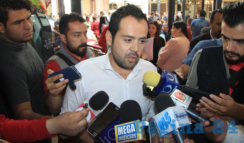 Ulises Mejía Haro, presidente municipal de Zacatecas, dio a conocer que durante el Festival Cultura 2019 se instalarán en el Portal de Rosales, únicamente, artesanos y dulceros (Foto Rocío Castro)