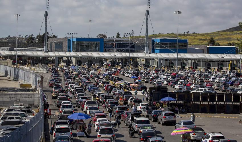 Cierran Indefinidamente 2 Carriles  en Garita de Frontera con Tijuana