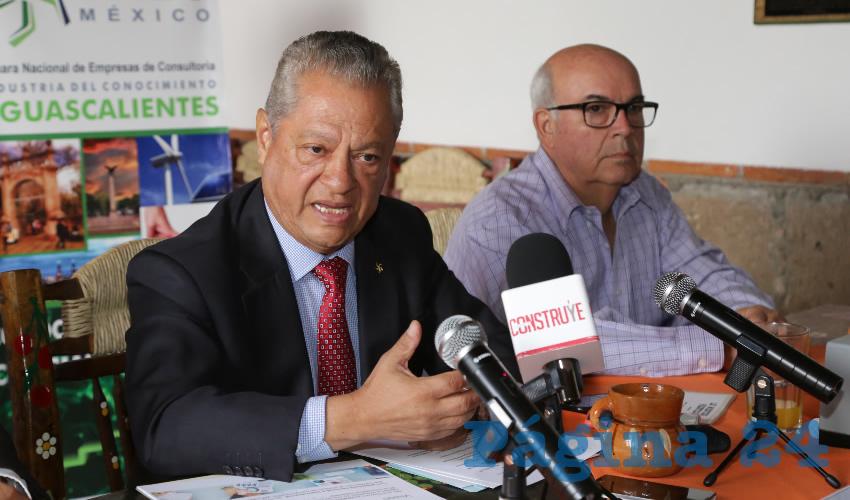 José Cruz Alférez Ortega, presidente de la Cámara Nacional de Empresas de Consultoría (Foto: Eddylberto Luévano Santillán)