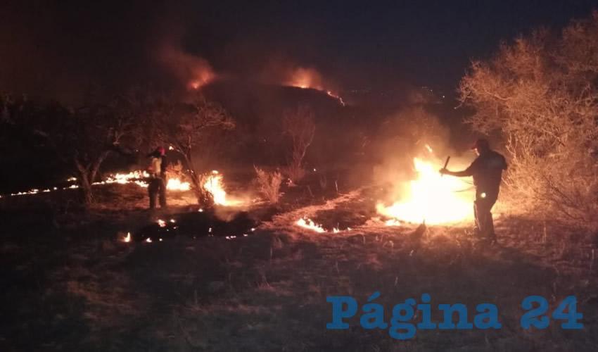 De acuerdo con Protección Civil Municipal, están controlados los nuevas quemazones y no existe ningún riesgo para la población