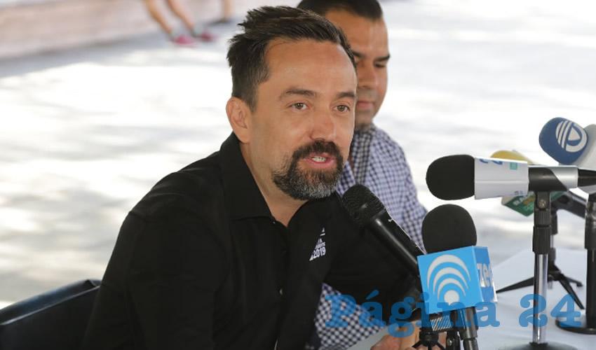 Arturo Ávila Anaya ...un auténtico petardo...