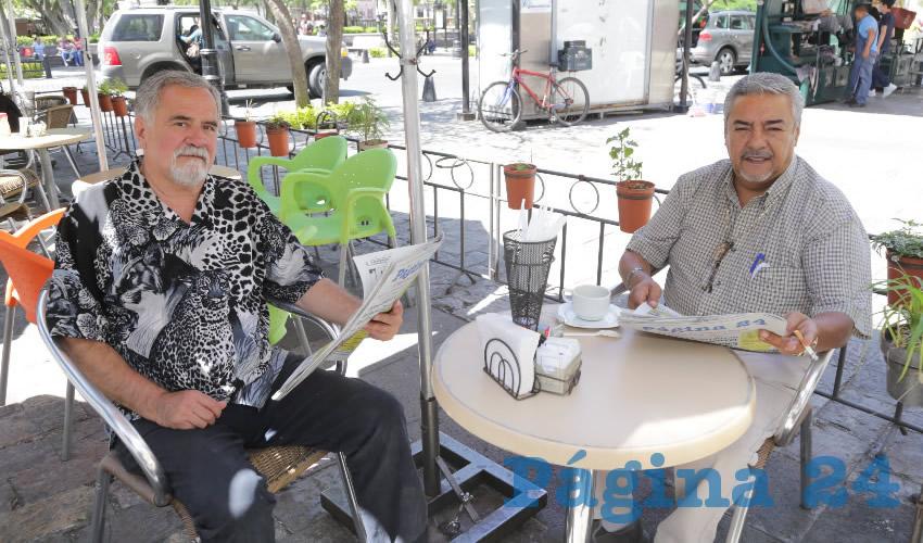 En Café Catedral departieron Felipe Franco Arzate y Carlos Víctor Presa Cruz