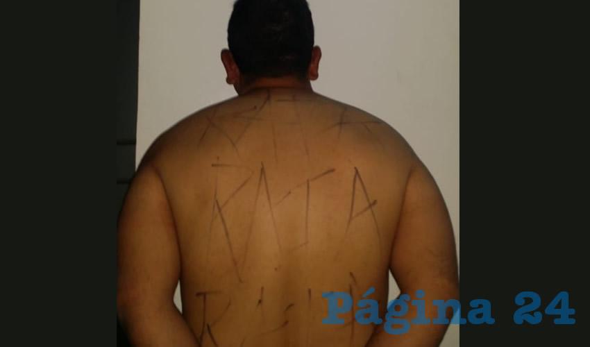 """""""Rata"""", la palabra repetida en la espalda y pecho de José Ramón """"N"""" """"N"""""""