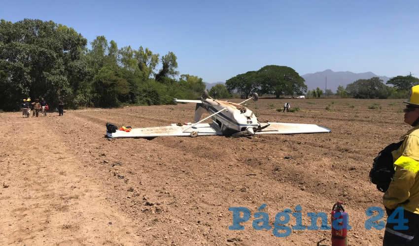 Ameca, Jalisco.- En un sembradío cayó la aeronave de la escuela Alas Doradas, de Aguascalientes