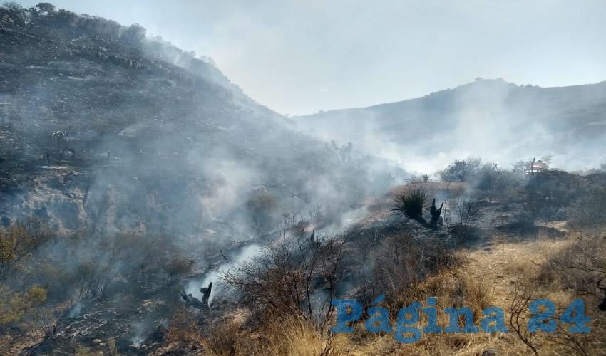 Controlan Incendio del Cerro  Los Gavilanes, en Jesús María