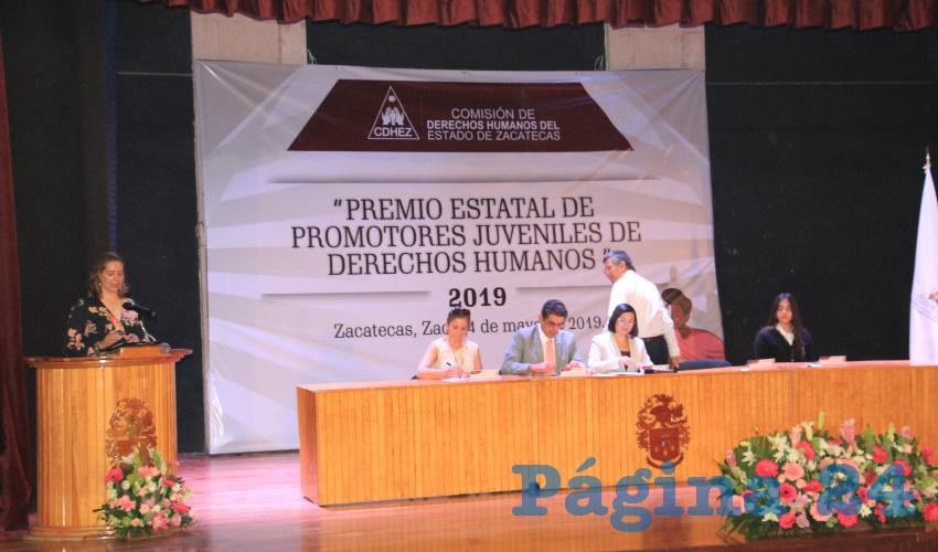Juan Antonio Ruiz García, director General del Cobaez, expuso que este evento es muy importante ya que el tener jóvenes promotores de derechos, dijo, implica tener jóvenes comprometidos con una formación integral (Foto Rocío Castro)