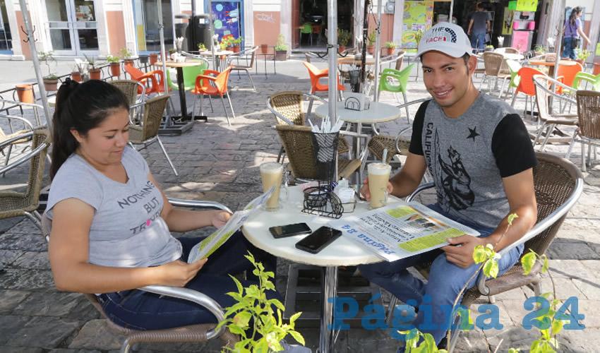 En Café Catedral departieron Rosa Pacheco Rodríguez y José Guadalupe Flores Peralta