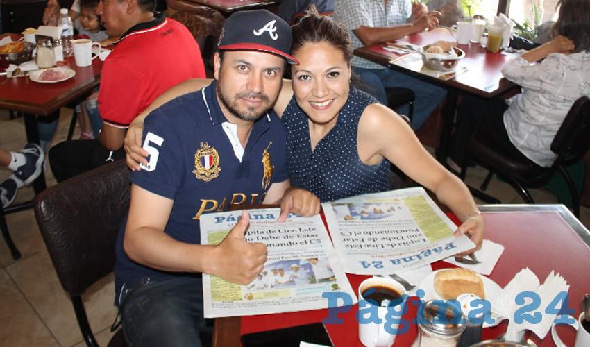 Alejandro Martínez Ochoa y Nazareth Rodríguez probaron su primer alimento en el restaurante Las Antorchas