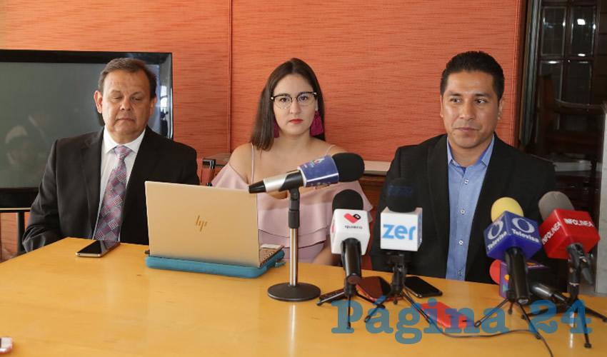 Rueda de prensa del Colegio de Economistas de Aguascalientes (Foto: Eddylberto Luévano Santillán)