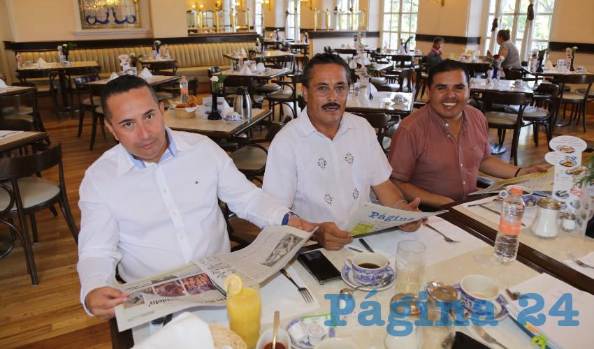 En Sanborns Francia almorzaron Juan Antonio Vela Esparza, Filiberto Dueñas Macías y Diego Herrada Durán