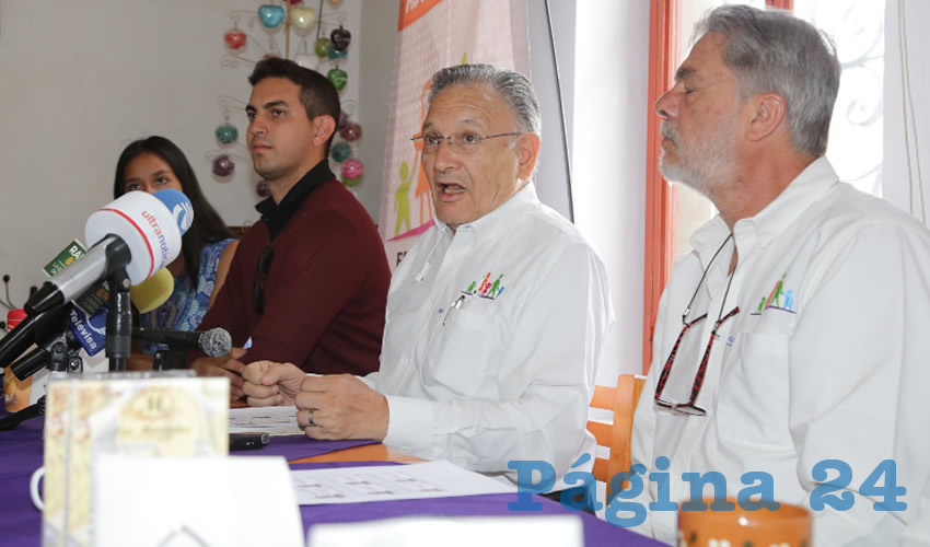 Carlos García Villanueva, dirigente estatal del Frente Nacional por la Familia (Foto: Eddylberto Luévano Santillán)