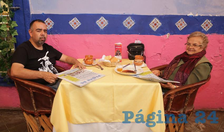 En el restaurante La Saturnina compartieron el primer alimento de la mañana Felipe Zúñiga Ramírez y Ángela Ramírez Castillo