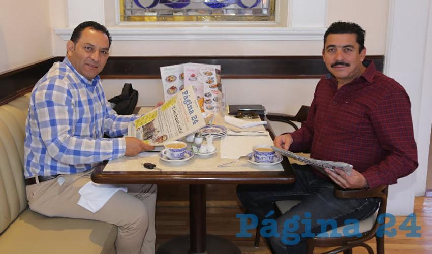 En Sanborns Francia compartieron el primer alimento de la mañana Rodolfo Téllez Moreno y Alejandro León López