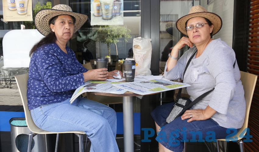 En Café Punta del Cielo desayunaron María Castillo Aguilar y Blanca Estrada Jiménez
