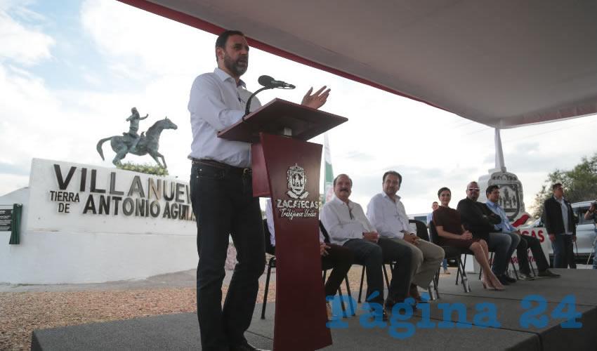 Además, se hizo oficial que el bulevar de ingreso a la cabecera municipal llevará el nombre del actor y cantante