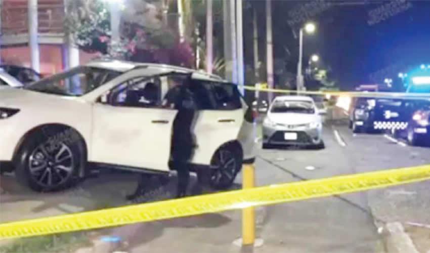 Matan a mujer por robarle el auto