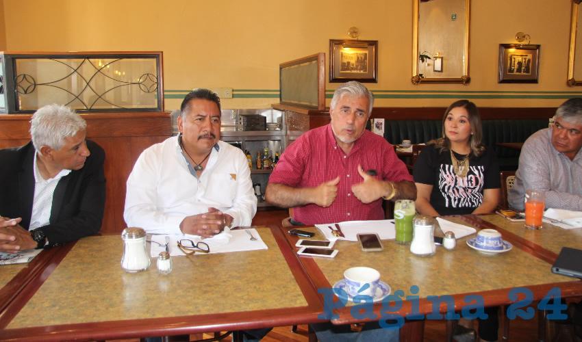 Felipe Pinedo Hernández, miembro del Frente Popular Lucha por Zacatecas (FPLZ) informó que luego de las negociaciones con la Minera Peñasquito en las que acordaron levantar el bloqueo, solamente se ha avanzado en el retiro de la demanda penal, aunque la demanda civil se mantiene (Foto Rocío Castro Alvarado)