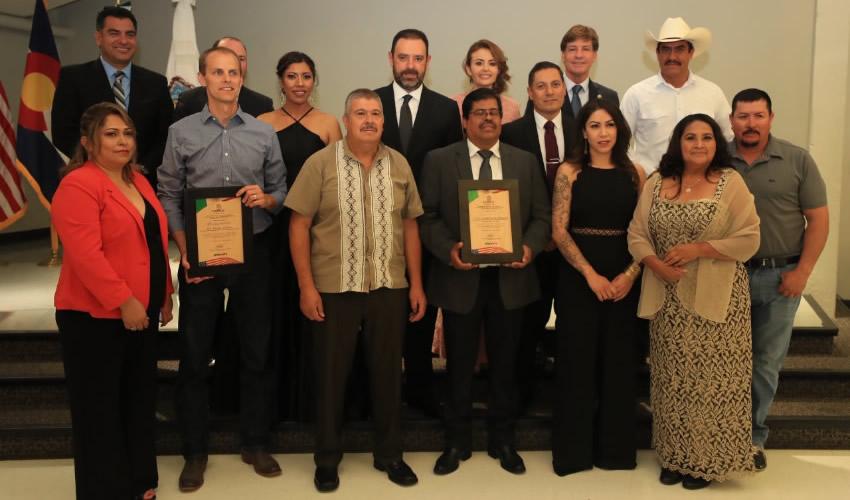 Al encabezar la celebración del aniversario de dicha Federación, Alejandro Tello reconoció el esfuerzo de la comunidad migrante a favor de sus familias en México y EEUU
