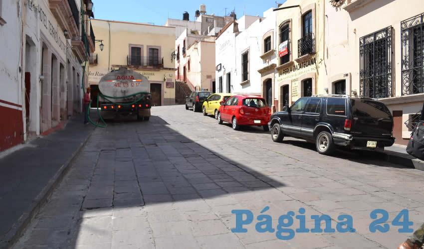 Continúa el pésimo servicio de Jiapaz (Foto Merari Martínez)