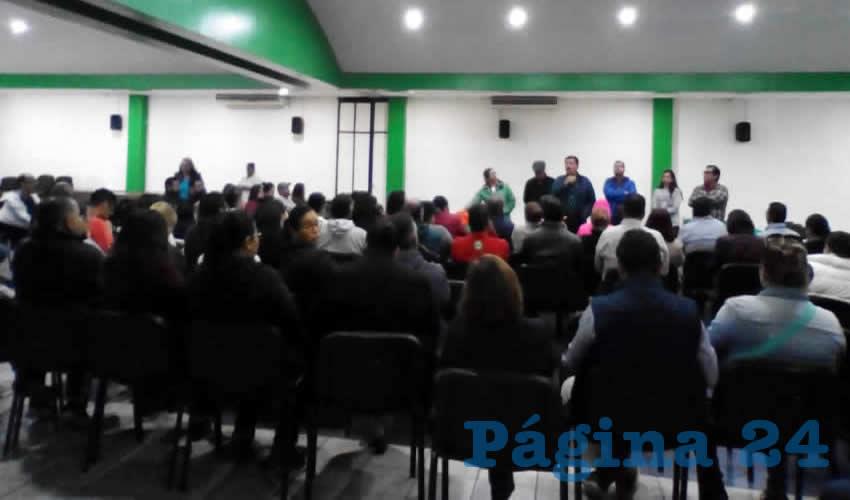 La mañana de ayer se reunieron autoridades educativas con miembros del Sindicato Único de Trabajadores de la Universidad Tecnológica de Zacatecas (Sututez) para tratar de levantar la huelga que estalló el 1 de julio (Foto: Cortesía)
