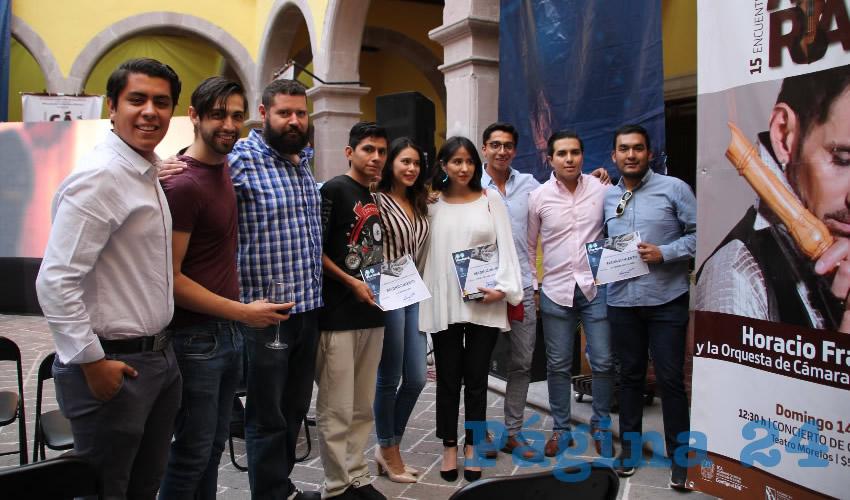 Agradecieron la participación de los concursantes ahí presentes, y se les invitó a seguir expresándose a través de la cultura y las artes