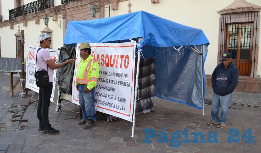 Raúl Cardona Castillo fue despedido de la minera Peñasquito en Mazapil, sin que hasta el momento reciba liquidación, pese a que ha interpuesto una demanda contra la empresa por despedirlo de manera injustificada (Foto Merari Martínez)