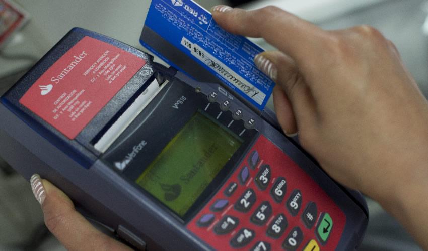 Los tarjetahabientes experimentaron fallas al momento de intentar realizar pagos con tarjetas de HSBC, Santander, Banorte, Scotiabank y Mifel, entre otros (Foto: Moíses Pablo/Archivo/Cuartoscuro)