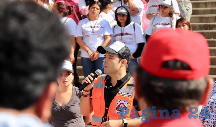 Ciudadanía y gobierno se suman a la Jornada Voluntaria de Limpieza número 25 en la Calzada de los Deportes.