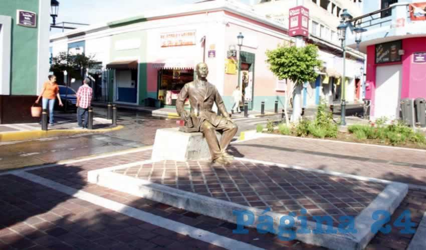 """Aunque seguido pasan las patrullas de la policía estatal, y hay una cámara de videovigilancia conectada al C5, esto resulta insuficiente e incluso """"inútil"""", pues se siguen cometiendo delitos como el robo a mano armada, entre otros, sin que las autoridades sean capaces de ponerles freno/Fotos: Francisco Tapia"""