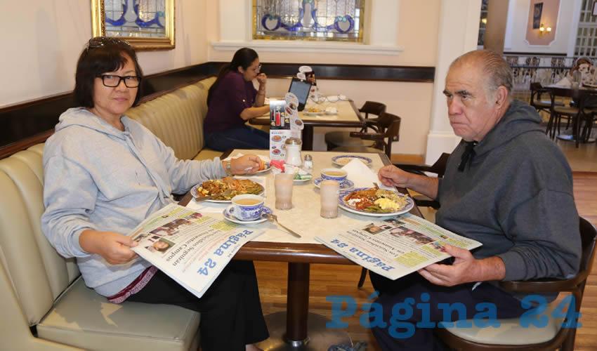 En Sanborns Francia compartieron el pan y la sal Lucy de Haro y Gilberto Haro Hurtado