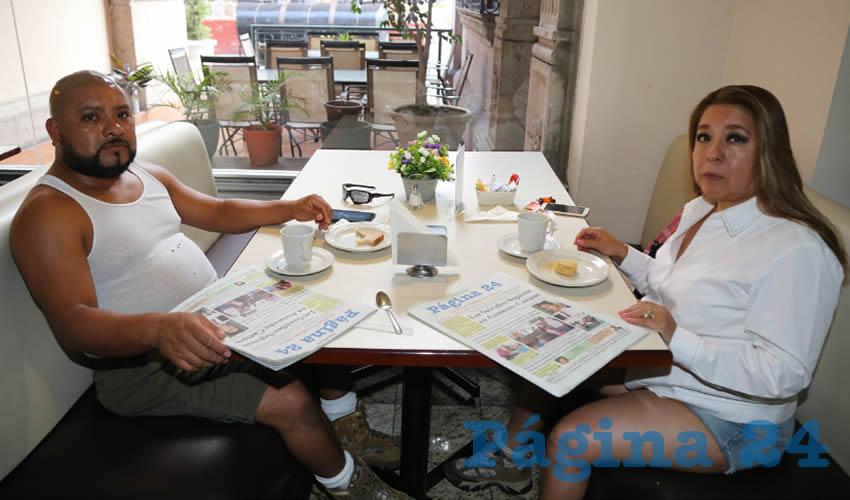 En el restaurante La Rueda del Hotel Quality Inn desayunaron Horacio Gómez Gutiérrez y Ernestina Méndez Martínez, quienes nos visitan de la Ciudad de México