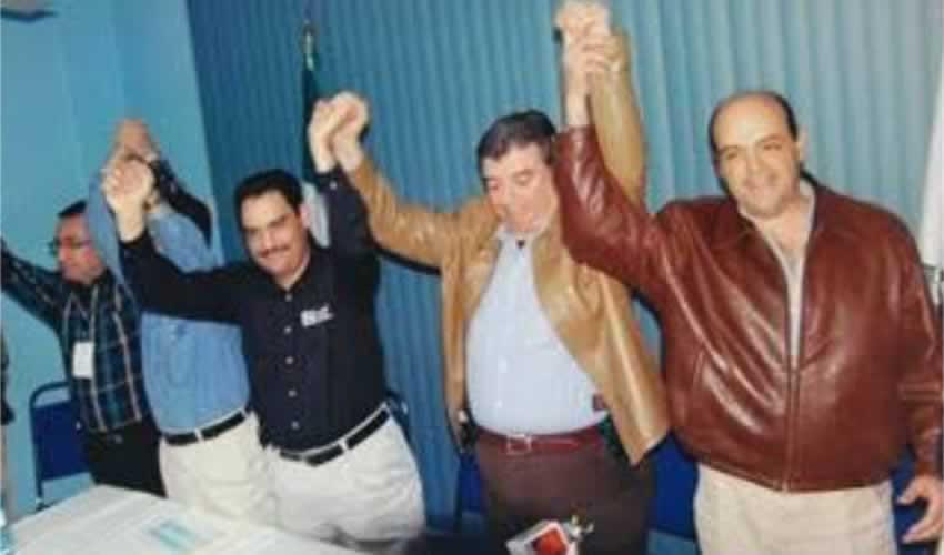 Felipe González –aquel pintoresco exmandatario panista de Aguascalientes que pasó a los anales de la picaresca política por traer siempre una pistola al cinto– es un roba-cabezales periodísticos