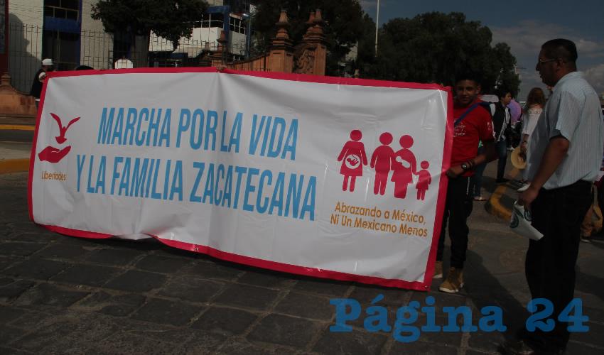 Integrantes del FNF Lanzan Reproches Contra Diputados que Apoyaron el Matrimonio Igualitario
