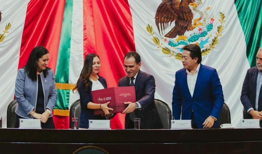 Arturo Herrera, titular de la Secretaría de Hacienda y Credito Público entregó a la Mesa Directiva de San Lázaro el proyecto de Paquete Económico para 2020 Foto: (Foto: Cortesía/Twitter @Hacienda_Mexico)