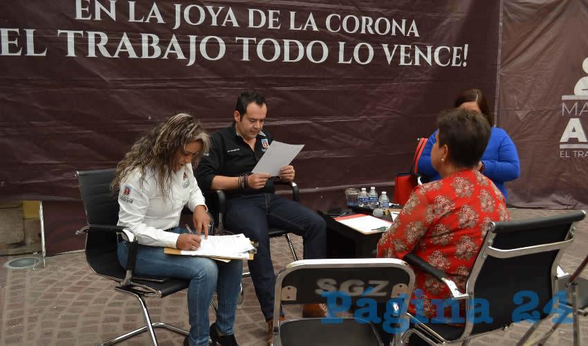 Durante la Audiencia Pública número 44, Ulises Mejía Haro, presidente municipal de Zacatecas, enfatizó que está acción se realiza cada martes con el objetivo de atender a la ciudadanía de manera puntual, y revisar si las peticiones o solicitudes hechas en las pasadas reuniones se pudieron o no resolver. (Foto Merari Martínez)