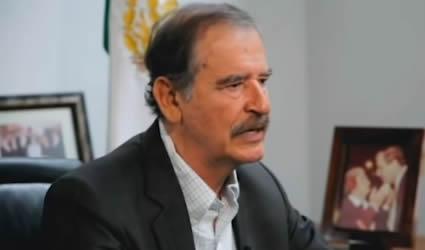 El Hipócrita Vicente Fox Felicitando a AMLO